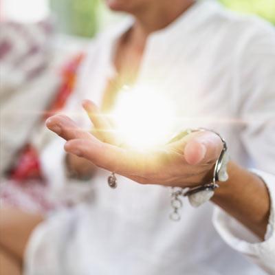 Meditiation_Dreifach_angebunden_im_Herzen_mutmachinstitut